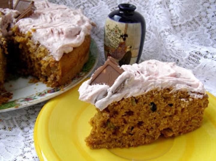 łatwe, smaczne marchewkowe ciasto ze śmietaną z dżemem wiśniowym…