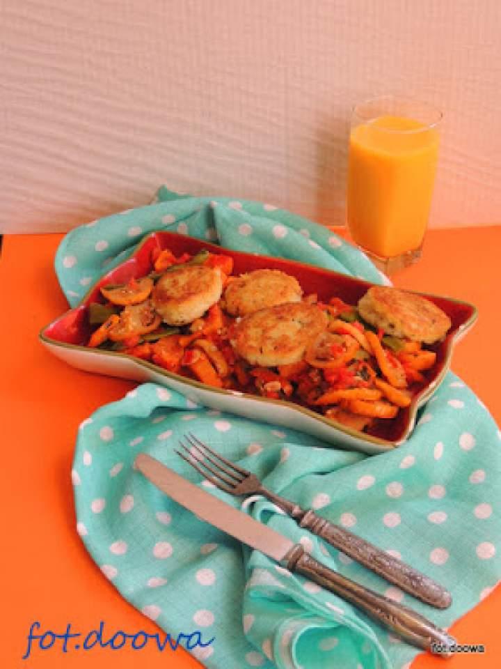 Indyjsko – kameruńskie kluseczki z semoliny z potrawką z batata i mini bakłażana – garden egg