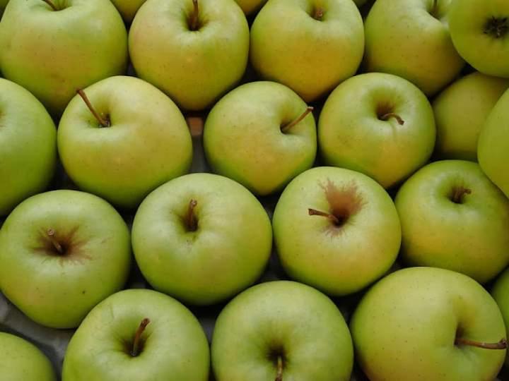 Prosty domowy ocet jabłkowy