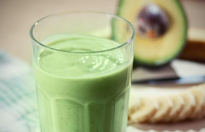 awokado + banan + olej kokosowy + kiwi + cytryna + miód
