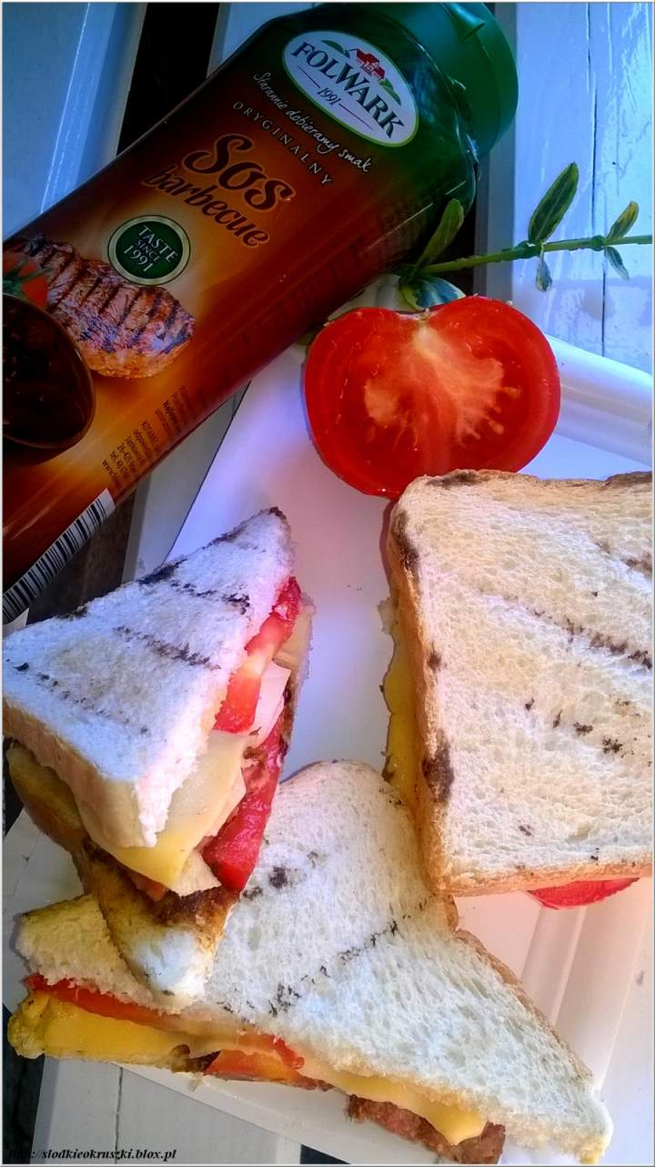 Grillowane kanapki z nutą barbecue – szybko i smacznie