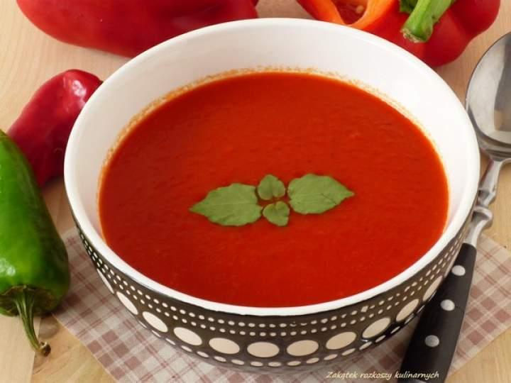 Zupa – krem z pieczonej papryki.