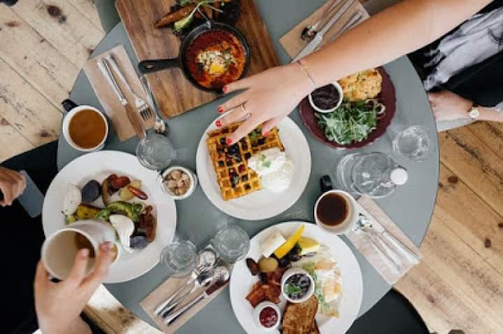 Jak przygotować perfekcyjne śniadanie na wynos?