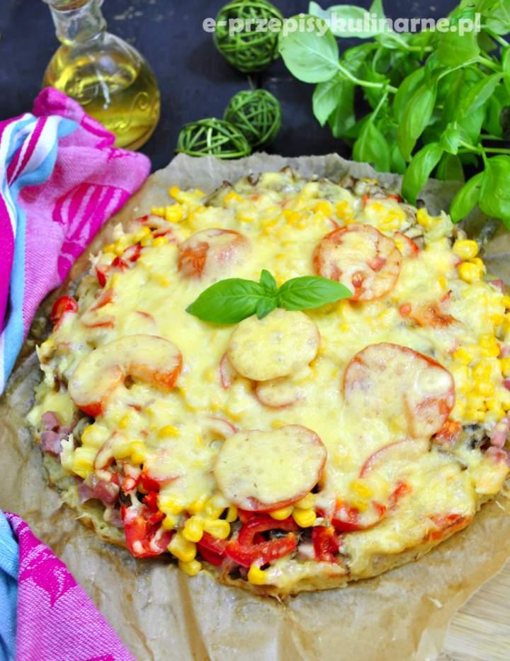 Pizza na placku ziemniaczanym