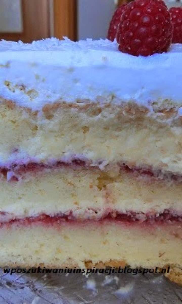 Urodzinowy tort malinowo- kokosowy