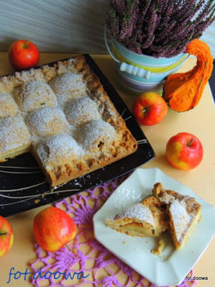 """Ciasto z owocami czyli """"Pagórki jabłkowe"""""""