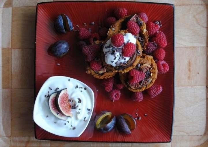 775. Dyniowo- orzechowo- różane babeczki z figą jogurtem i owocami
