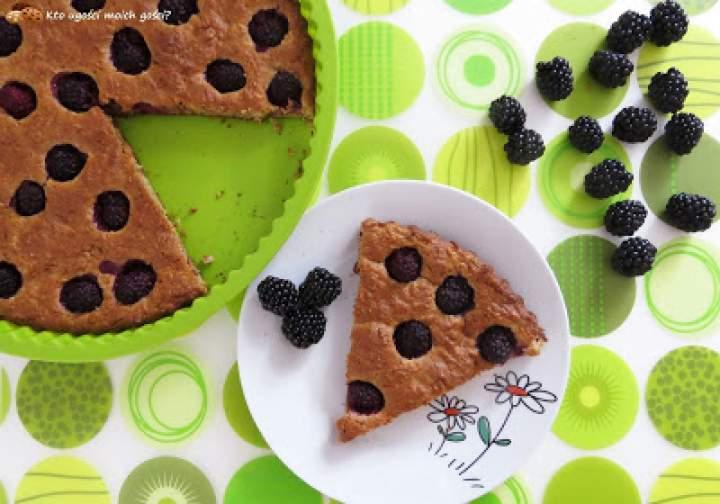 Pełnoziarniste ciast(k)o owsiane z jeżynami (Zdrowe słodycze #4)