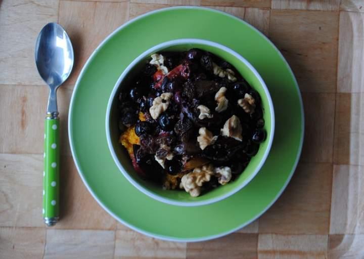 781. Dyniowo- różana quinoa z karmelizowanymi owocami