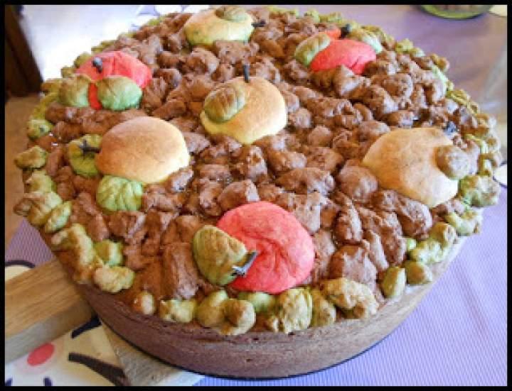 Kruche ciasto z gruszkami i jabłkami