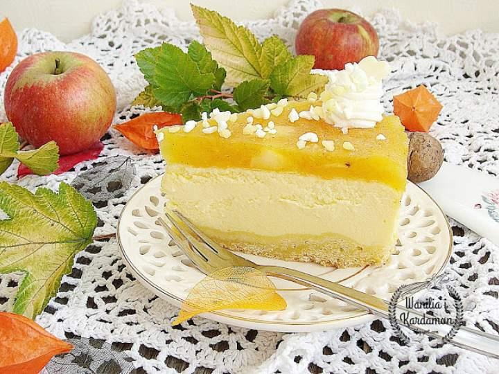 Jesienny sernik z mlekiem w proszku i musem jabłkowym