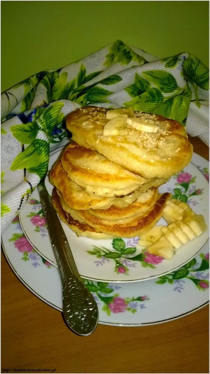 Karmelowo-czekoladowe placuszki z kawałkami bananów