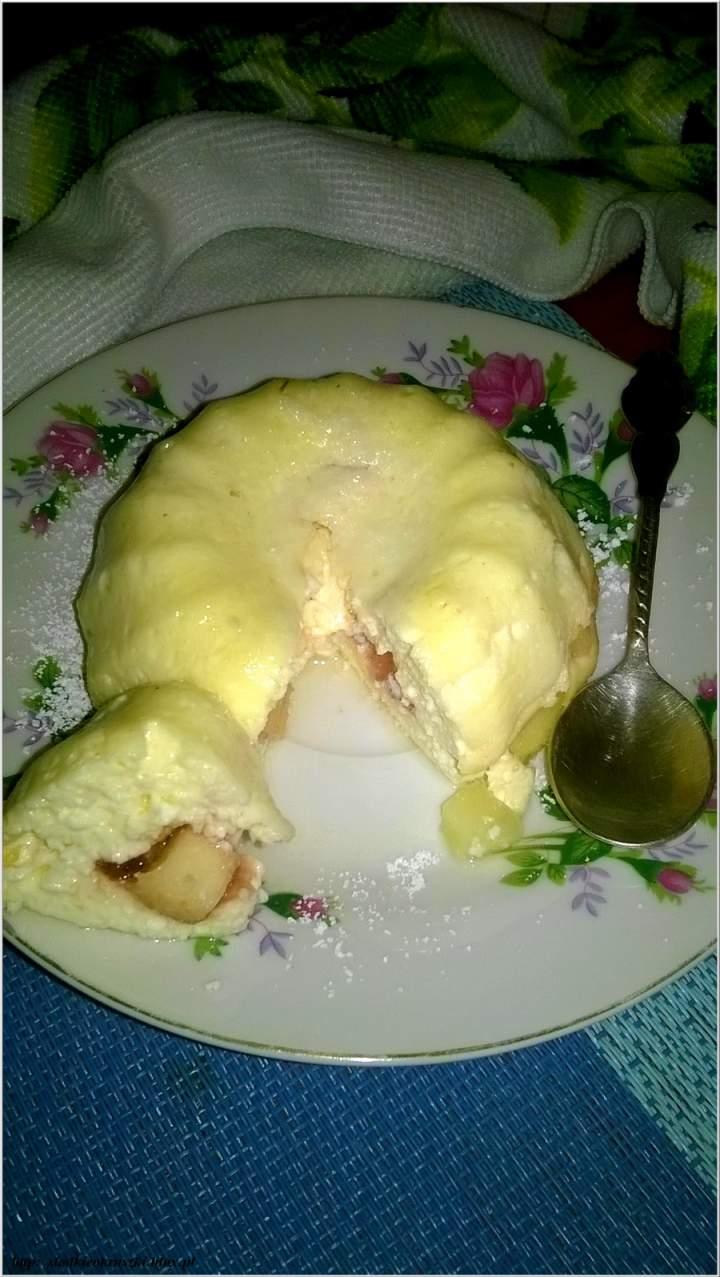 Serniczki last minute z kawałkami jabłek i dżemem – proste i szybkie