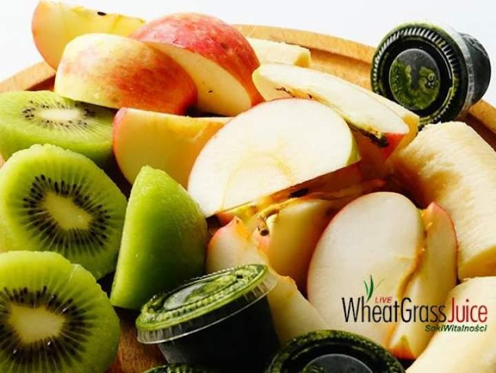 banan + kiwi + jabłko + soki z trawy pszenicznej