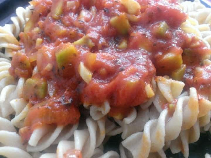 Sos pomidorowy z awokado