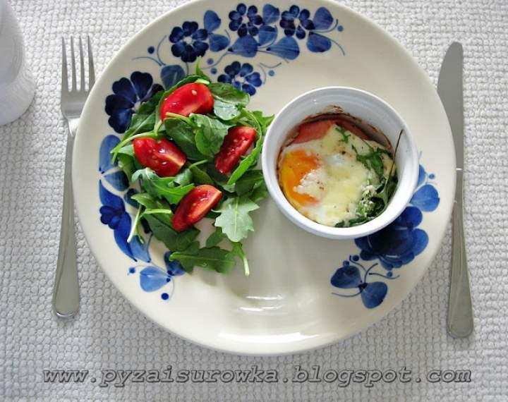 Jajka w kokilkach – wykwintne niedzielne śniadanie