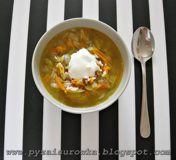 Zupa ogórkowa – łatwy przepis