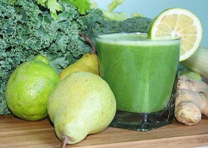 gruszka + brokuły + sok z jarmużu + seler naciowy + limonka + imbir
