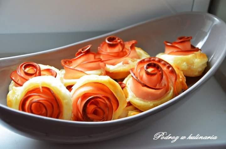 ,,Różyczki z ciasta francuskiego''