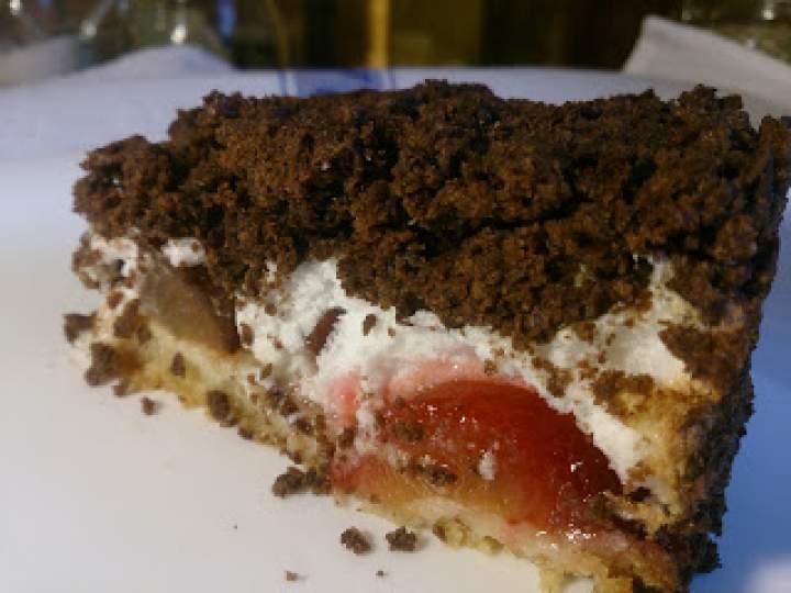 śliwkowe kruche ciasto z pleśnią