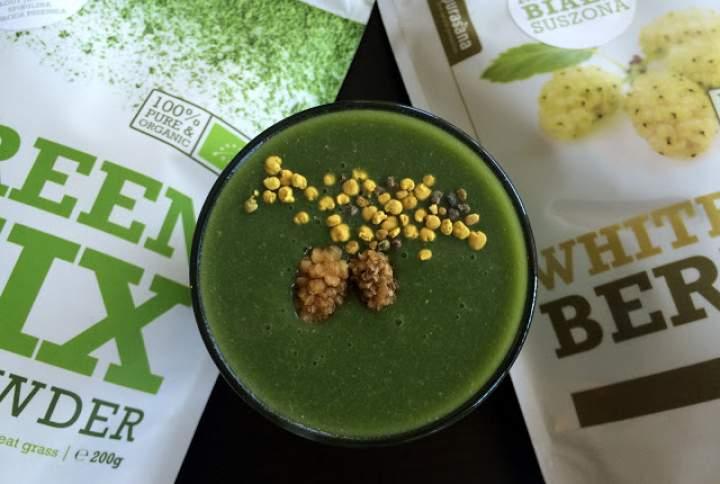 kasza gryczana niepalona + nerkowce + banan + green mix + morwa