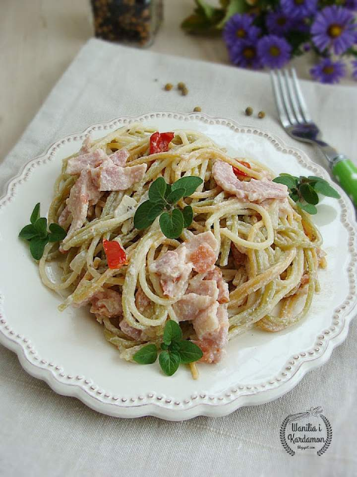 Spaghetti z boczkiem i ricottą