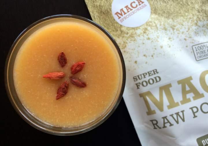 mango + płatki owsiane + pomelo + maca + goji