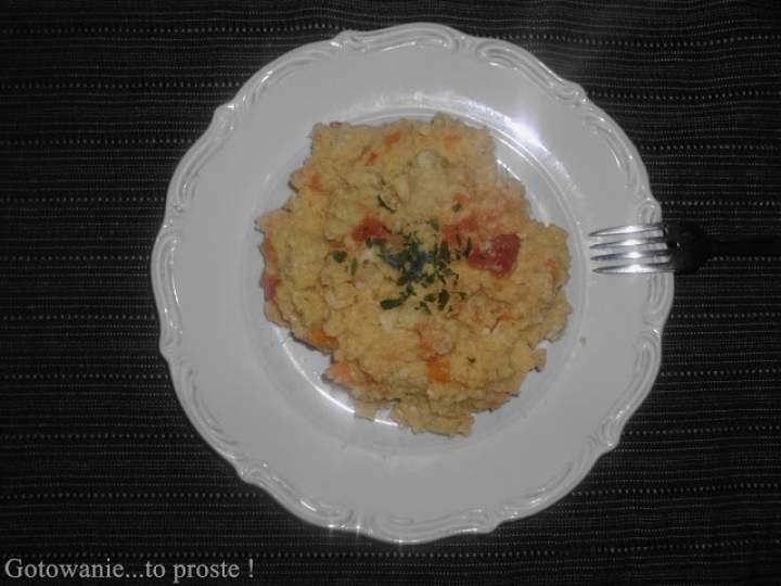 Kasza jaglana z mięskiem oraz warzywami.