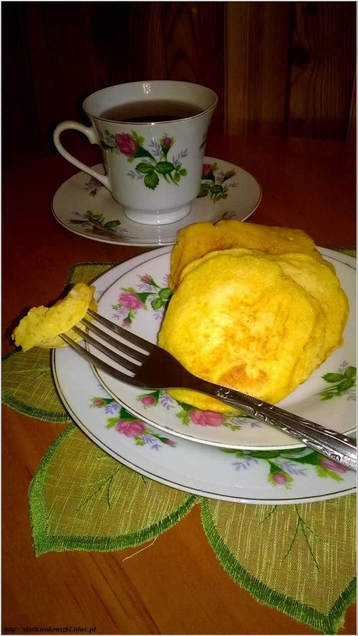 Placuszki kokosowo-dyniowe na słodko. Pyszne śniadanie w dyniowo-kokosowej odsłonie.