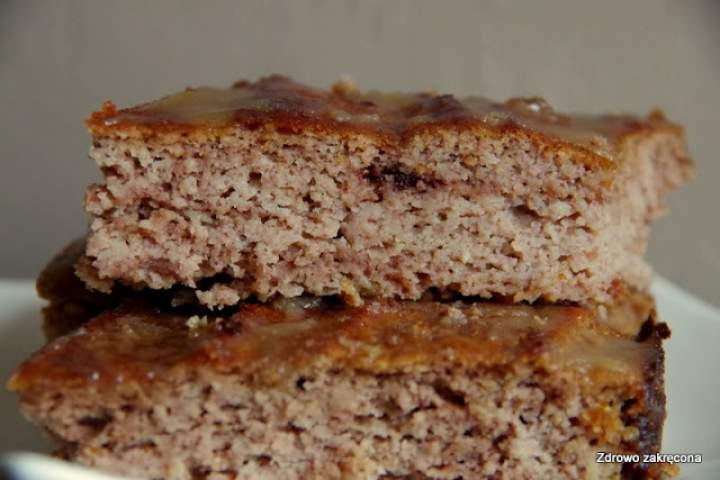 Proste bezzbożowe ciasto bananowo-kokosowe z polewą karmelową
