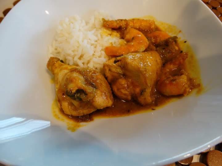 Xinxim – tradycyjna potrawa brazylijska z kurczakiem i krewetkami
