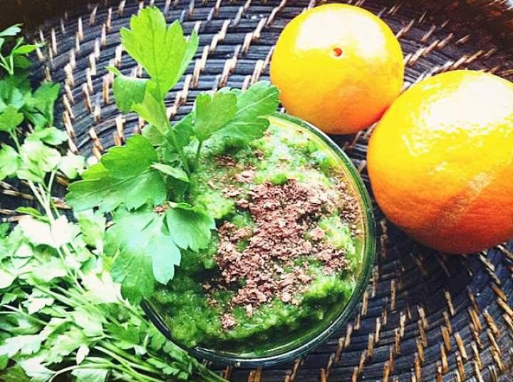 pomarańcza + jabłko + szpinak + pietruszka + ostropest + kakao