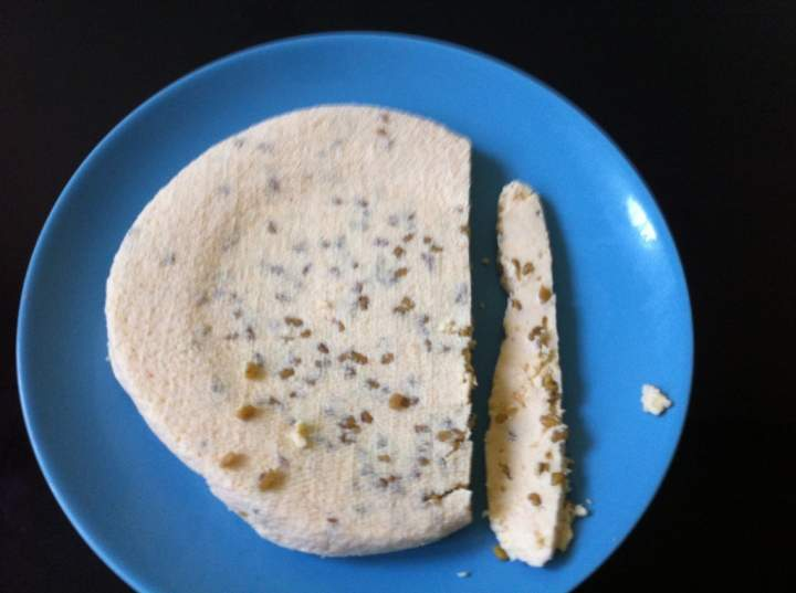 Ser domowy z kozieradką