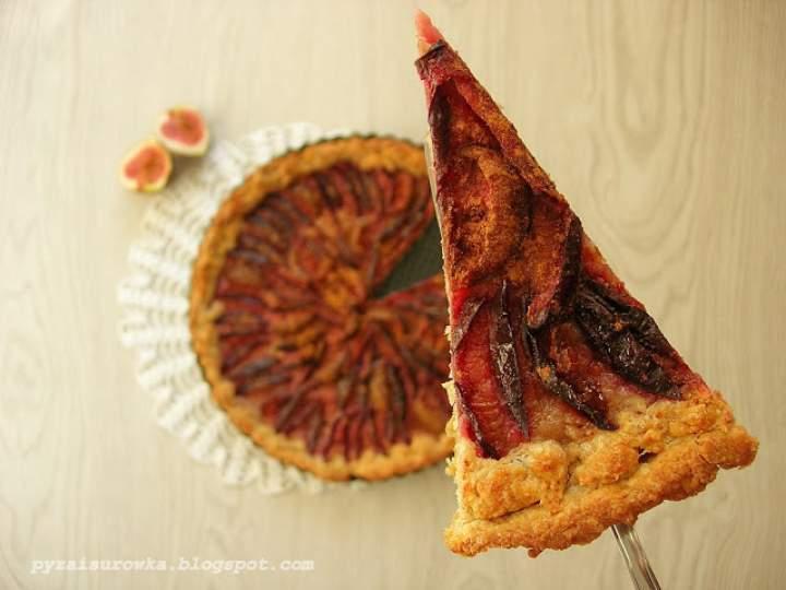 Tarta śliwkowo-figowa z mąki razowej i otrębów