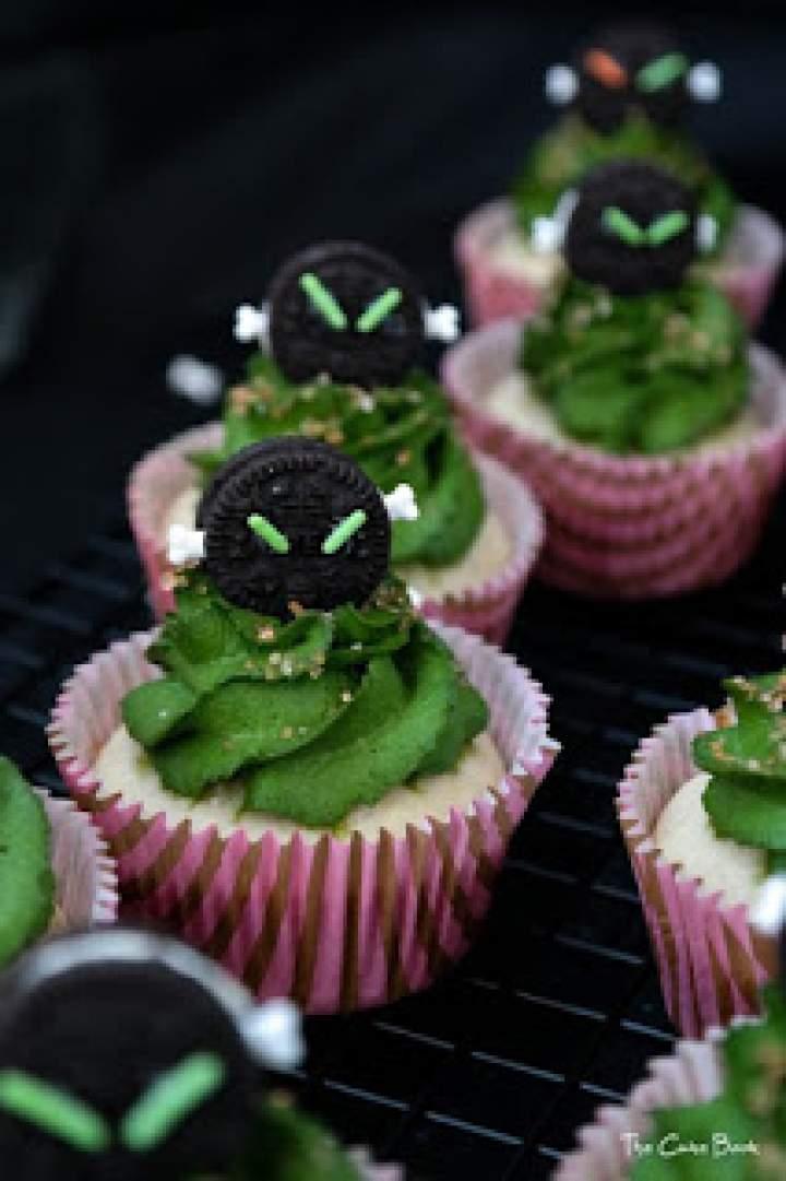 Alien`s cupcakes