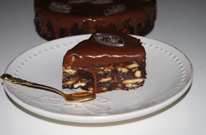 Ciasteczkowe ciasto bez pieczenia