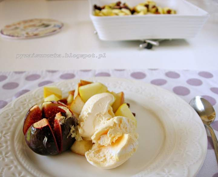 Owoce zapiekane w piekarniku z miodem i cytryną