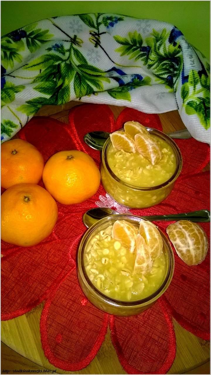 Ananasowy kisiel owsiano-jęczmienny z mandarynkami