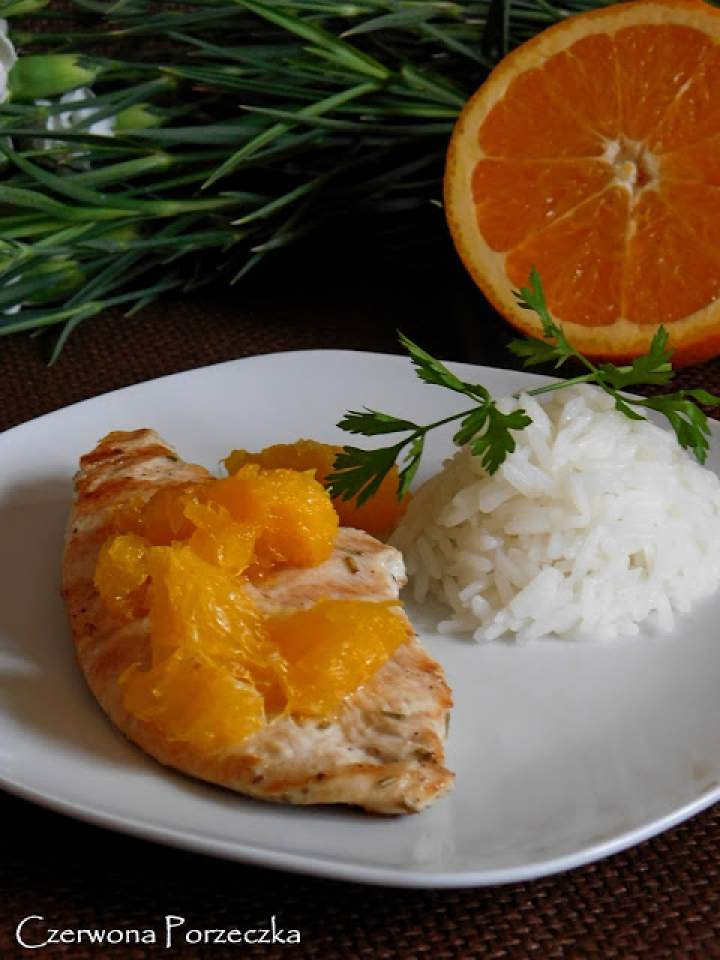 Cytrusowo- rozmarynowa pierś z kurczaka