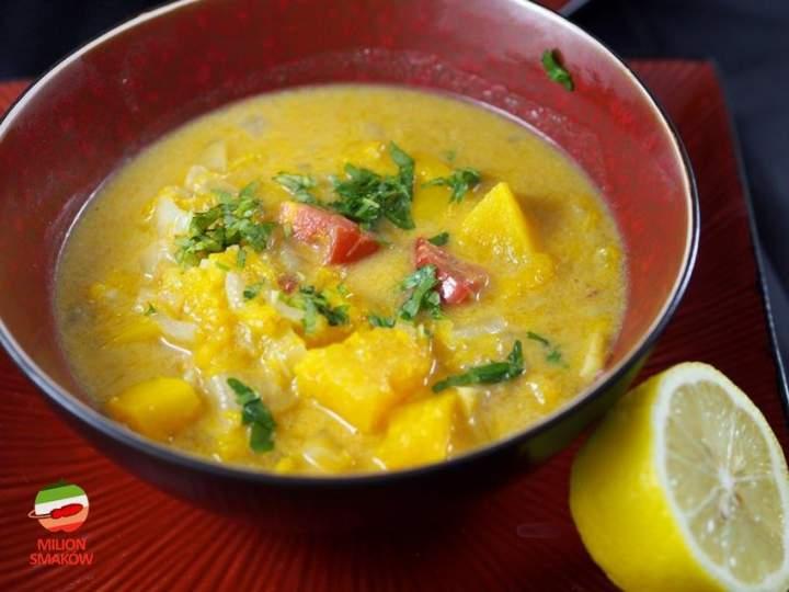 Curry dyniowo-pomidorowe