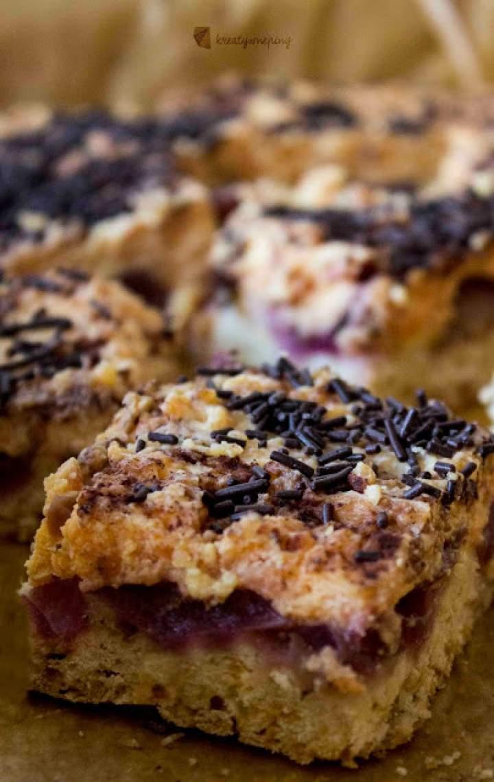 Kruche ciasto  z winogronem i kremem budyniowym