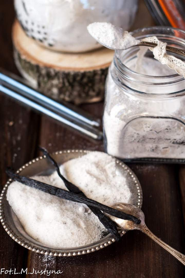 Cukier waniliowy domowy na dwa sposoby