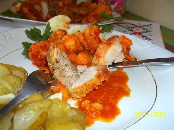 Schab z kalafiorem w pomidorowym sosie z curry