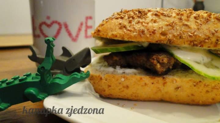 Burger minimalistyczny dla wybrednego niejadka o dziwnych upodobaniach