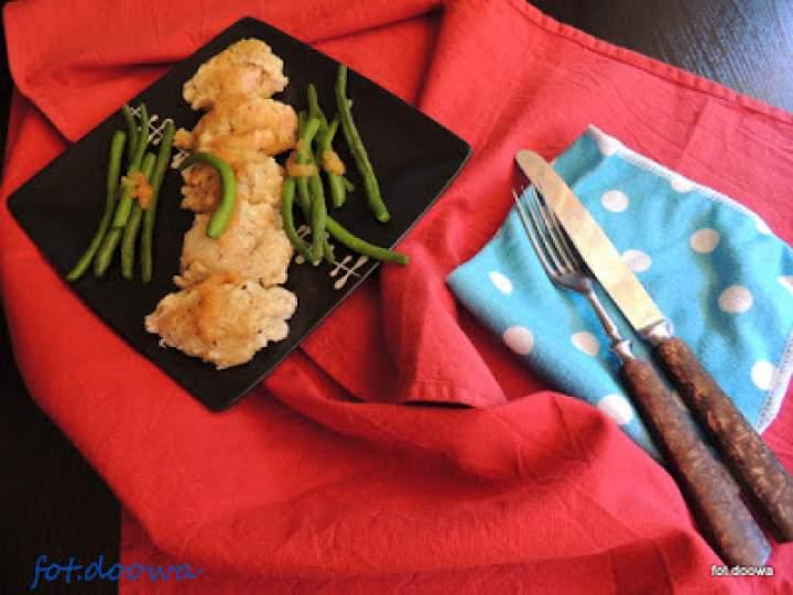 Kluski wiedeńskie z fasolką szparagową i bułeczką