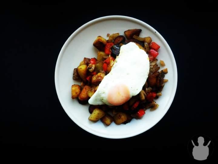 Odsmażane ziemniaki z patelni