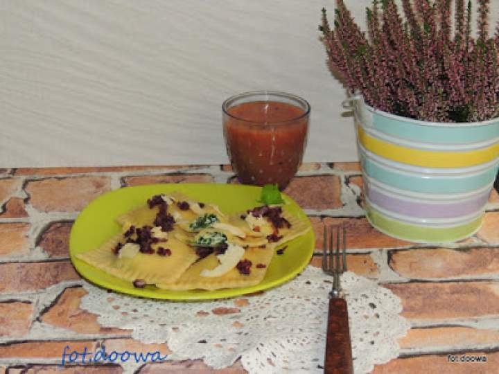 Ravioli ze szpinakiem, ricottą i oscypkiem