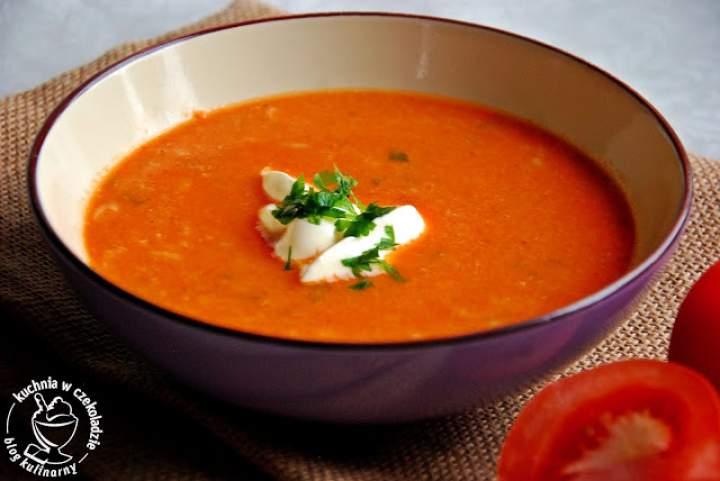 Pomidorowa z ryżem i mięsem