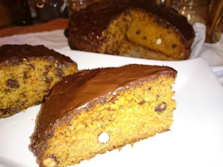 ciasto marchewkowe z polewą z gorzkiej czekolady