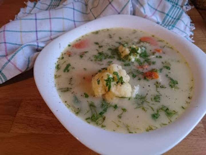jarzynowa zupa z kalafiorem